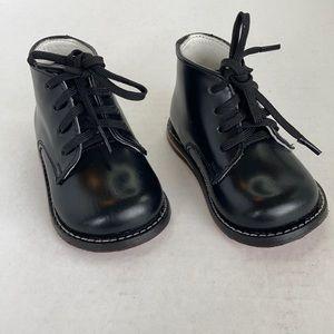 Josmo Black Walking Shoes Size 3
